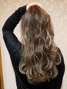 ヘアーデザイン カグラ(Hair design Kagura)の写真/《1番人気のはちみつカラー☆》気になるハリ・コシ・ツヤがUP!!つるっとした手触りでセットも楽ちん♪