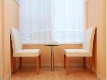 美容室カリーノの雰囲気(オシャレな待合室スペース。)