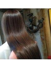 ☆☆☆取扱の少ないこだわり薬剤と髪に負担をかけない施術法で健康で自然なストレートヘアに☆☆☆