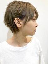 アテナ 六本松店(ATENA)小顔に見えるコンパクトなショートヘア