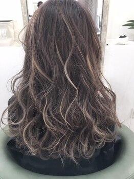 ヘアーガーデン バレッタ(hair garden barretta)の写真/年間で1000人以上のデザインカラーをこなすバレッタ!自然カラーも個性的なデザインカラーもお任せください!