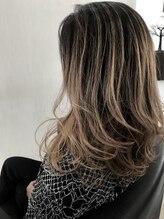 ダメージレスなデザインカラーで綺麗な髪を保ってデザインを楽しめます♪