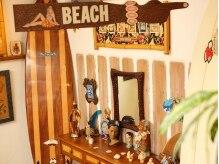 アネラ(anela)の雰囲気(サーフィン好きのオーナーが集めたビーチグッズがいっぱい♪)