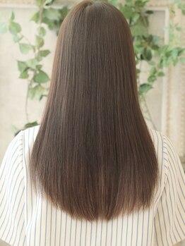 ヘアーデザイン ビバース(hair design vivarth)の写真/癖とボリュームを抑え湿気対策に◎サラッとまとまり艶のある上品な仕上がりで髪質改善♪[vivarth/志木]