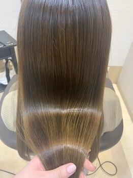 ヴィヴァーチェイルソーレ(VIVACE ilsole)の写真/《トリートメント豊富》ヘアケアリスト在籍で、お客様の髪質に合ったケアを提案!!毛穴からキレイな美髪に☆