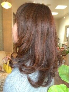 ヘアーサロン アンジュロ(hair salon angelo)の写真/《自然の力で魅力的な美髪へと導く♪》11種のハーブエキス配合のオーガニックカラーで若々しい印象に♪