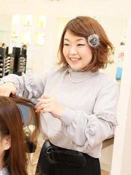 ヘアー&フェイス ヤマ hair&face Yamaの写真/1番人気の縮毛矯正!頑固なクセも自然に真っ直ぐ伸びると定評あり。毛先の隅々まで潤うストレートを叶えます