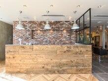 オーブヘアーセナ 鳥取店(AUBE HAIR cena)の雰囲気(開放感のある明るい店内で、くつろぎの時間をお過ごしください。)