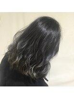 アフロートナゴヤ(AFLOAT NAGOYA)【外国人風】明るめの髪に入れるダークトーンのグレージュ