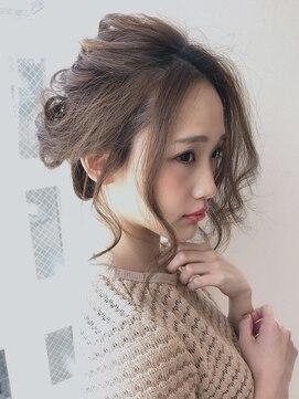 アグ ヘアー シーモ 下関店(Agu hair seamo)後れ毛がかわいい☆ラフめなアップ