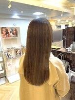 キャラ 池袋本店(CHARA)髪質改善とブリーチなしのミルクティーベージュ【SHISEIDO】