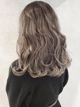 エイチエムヘアー 池袋店(H M hair)の写真/《カット+リタッチカラー+アミノ酸前処理Tr¥3500》イルミナ・アディクシーなど話題のカラー多数取扱い♪