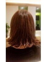 ジャムヴィーボ(Hair Make JAM Vivo)切りっぱなしボブ