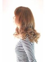 クアトロ ヘア(Quattro hair)ベージュが綺麗なヘアスタイル
