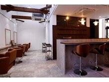 ヘアールームキュー(HAIR ROOM quu+)の雰囲気(気軽に来れるカフェ風サロンです♪)