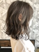 ヘアデザイン ファブロ(hair design FABRO.)ハイライト×グレージュ♪