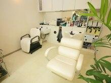 スタジオ シン 美容室(STUDIO shin)の雰囲気(寛げるシャンプー台は、ウトウト眠ってしまうほどの気持ちよさ…)