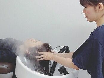 ラル ヘアデザイン(ral hair design)の写真/美髪づくりには頭皮ケアが大切◎自慢のヘッドスパで頭皮や毛穴の汚れもスッキリ!健康的な髪を育みます♪
