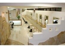 ミュゼドゥラペ(Musee de Lapaix)の雰囲気(名古屋でも最大級のセット面20席☆シャンプー台11台設置。)