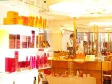 美容室ラトリエ コモ 所沢店の雰囲気(明るくて落ち着くサロンです。)