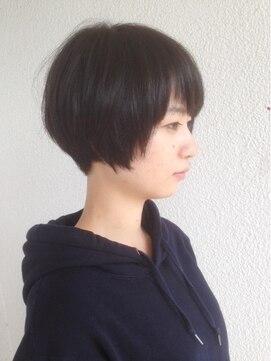 ヘアデザイン エソラ(hair design esora)襟足スッキリな黒髪小顔ショートボブ