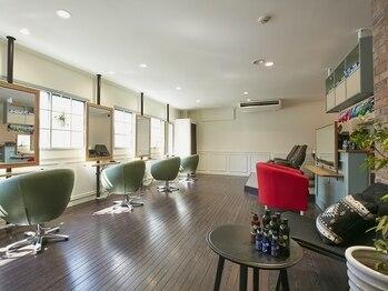 ルムージュ オプション(Rumoeju Option)の写真/【FORUSすぐの路地裏隠れ家サロン】まるでNYのカフェのような空間◎居心地の良いオシャレサロンで綺麗に♪