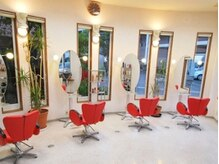 美容室 スウィート(SWeeT)の雰囲気(やさしく、柔らかい雰囲気の店内です☆)