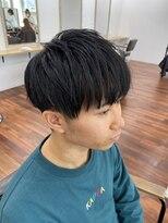 黒髪マッシュスタイル