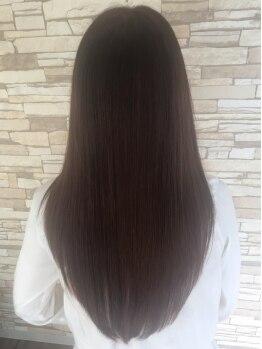 ヘアサロン アイラス(hair salon Ailus)の写真/潤う艶髪ストレート!パサつく季節にもオススメ!オーガニック薬剤で髪への負担も最小限に綺麗な髪を実現◎