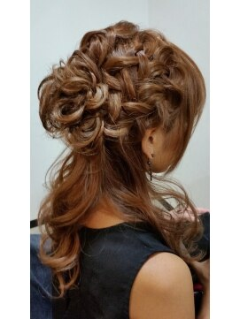 結婚式の髪型 ハーフアップ ♪編み込みハーフアップ♪