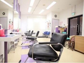 美容室 カラーズ 鶴川店(Colors)の写真/お財布にも、髪・地肌にも優しい、弱酸性カラー☆気になった時にすぐ行けるお手頃価格がうれしい♪