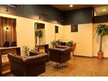 ヘアアンドリラクゼーションサロン アイアンドアイ(Hair&Relaxation Salon I&I)の雰囲気(落ち着いたフロアスペース♪)