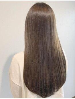 ハウリーヘアアンドスパ(HAURY hair&spa)の写真/人気の『Aujua』トリートメント取扱い☆ダメージの補修力・艶・潤い・まとまり・質感UPを実感ください♪