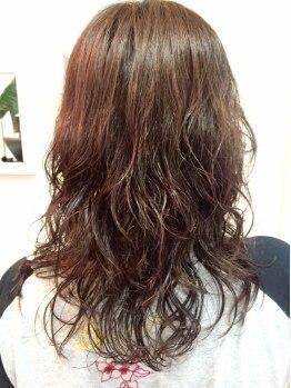 ジェイブルーヘアー 霞ヶ関(J.BLUE HAIR)の写真/くるんとした柔らかさ×長持ちカール◎【ぷる艶ウェーブ】髪へのダメージが最小限◎スタイリングも簡単!