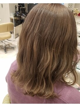 ビス ヘア アンド ビューティー 西新井店(Vis Hair&Beauty)ハイトーン/グレージュ/ミルクティー/オリーブ/モカ/20代30代