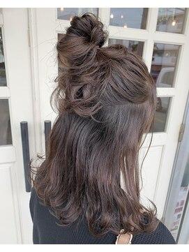ヘアアンドメイクグラチア(HAIR and MAKE GRATIAE)透け感color