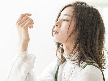 クレス 本川越店の写真/ヘッドスパで小顔に!?毛根を刺激して、頭皮全体を活性化★リフトアップ効果でフェイスラインもスッキリ!