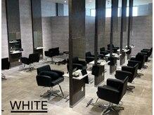 アンダーバーホワイト 鳳店(_WHITE)の雰囲気(席数は14席、ゆったりとしたオシャレな空間をご提供します☆)
