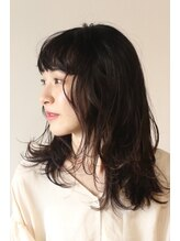 カル(caru)美髪ダスティモノトーンアッシュ毛先パーマことりベージュ