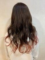 裾カラー&ルーズヘア