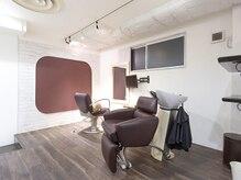 ビオヘアー(B.O.hair)の雰囲気(一人のお客様に専用の椅子、シャンプー台でリラックスできます♪)