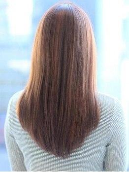 ストラッセ 大垣(STRASSE)の写真/まとまりにくい髪質も、簡単スタイリングで可愛くキマる☆1人1人に合わせたストレートで新質感を体験♪