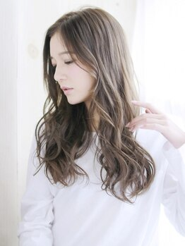 アカラヘアー ラウレア(AKALA HAIR Laule'a)の写真/髪と身体に優しいエッセンシティやルビオナカラー取り扱い♪いつまでも美しい髪と健康的な頭皮へ導きます☆