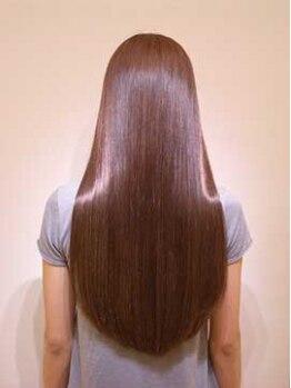 サダル(hair salon Sadal)の写真/光のヴェールを纏った潤いたっぷりの美人髪☆さらりと風になびく潤いストレートヘアにStyleチェンジ♪