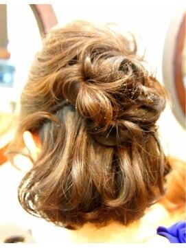 結婚式 髪型 ショートボブ ヘアアレンジ ボブハーフアップ