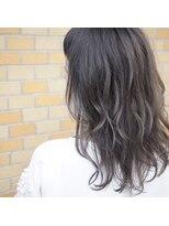 ノエル ヘアー アトリエ(Noele hair atelier)『Noele』ゆるふわグレージュ