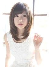 ヘアーデザイン ディードット(Hair design D.)レイヤー+グレージュ=小顔に見える魅惑のレイヤースタイル。