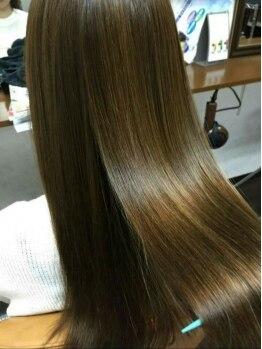 グルック ヘアー リラクゼーション 美章園店(Gluck Hair Relaxation)の写真/ポイント縮毛矯正など豊富なストレートMENU★プチプラ&低ダメージで、ふんわり柔らかな手触りのツヤ髪へ♪