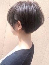 ラウンジ モリオ イケブクロ(Lounge MORIO Ikebukuro)【morio池袋】大人かわいい美髪刈り上げマニッシュショート