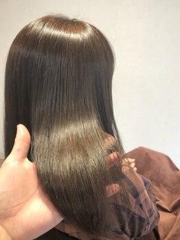 ロッコ バイ ヘアブランド リョウ(Rocco by hair brand RYO)の写真/【30代以上の大人女性必見】白髪が目立たないカラーやハイライト・バレイヤージュで明るいデザインも叶う♪